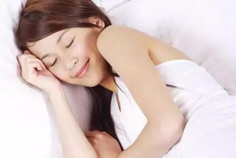 [新聞] 女性睡美容覺最佳時間
